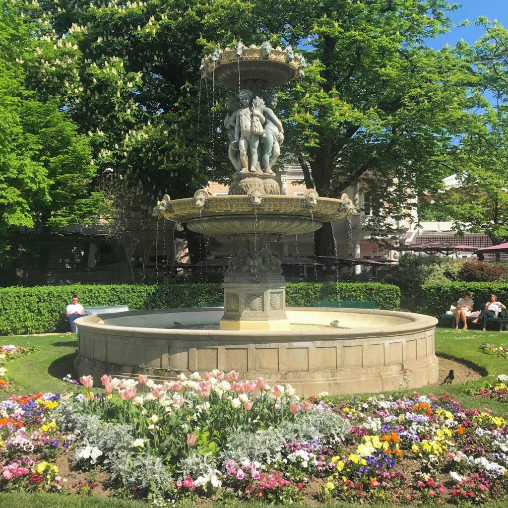 Jardin des Champs-Elysees Paris